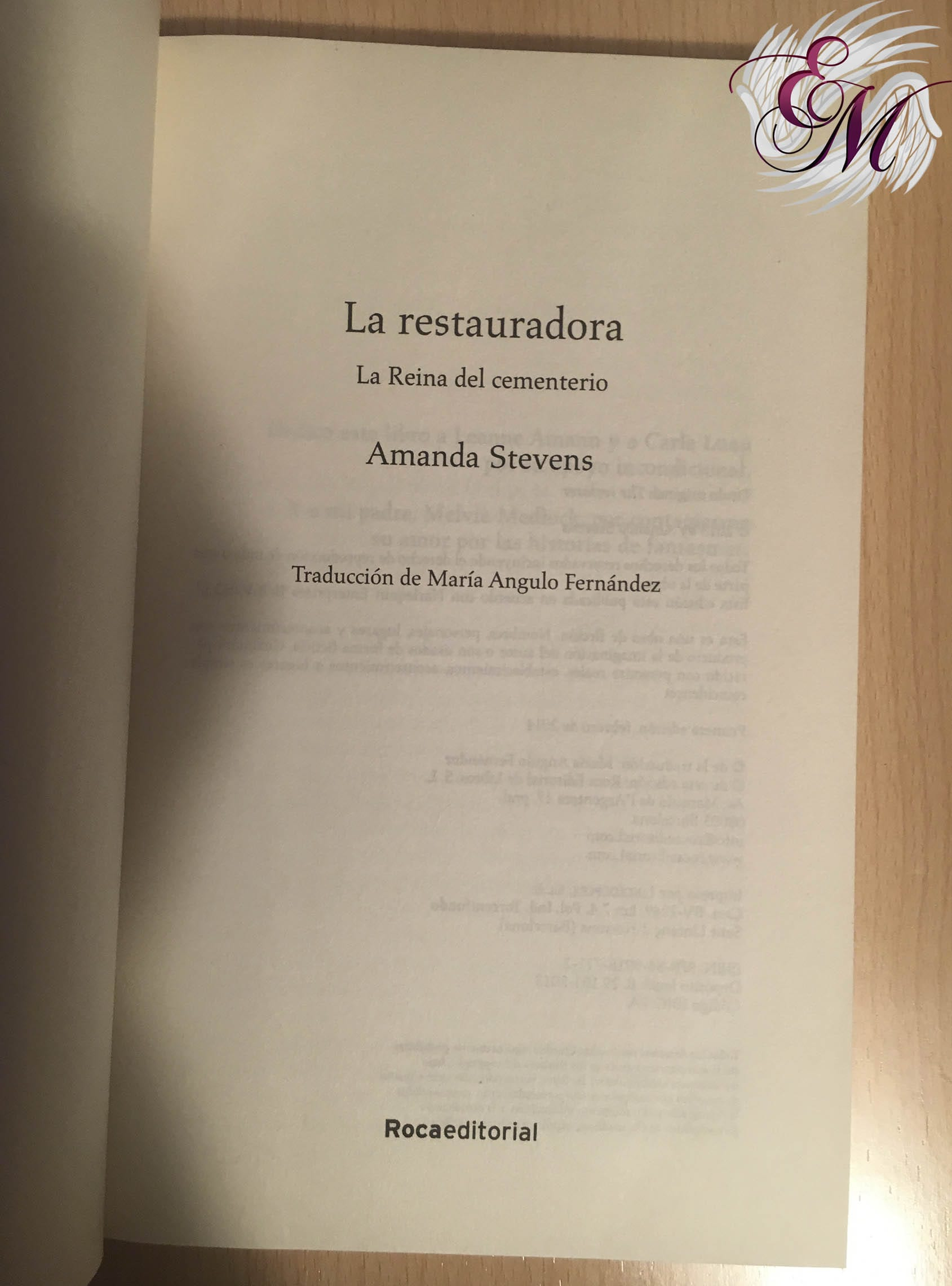 La Restauradora, de Amanda Stevens - Reseña