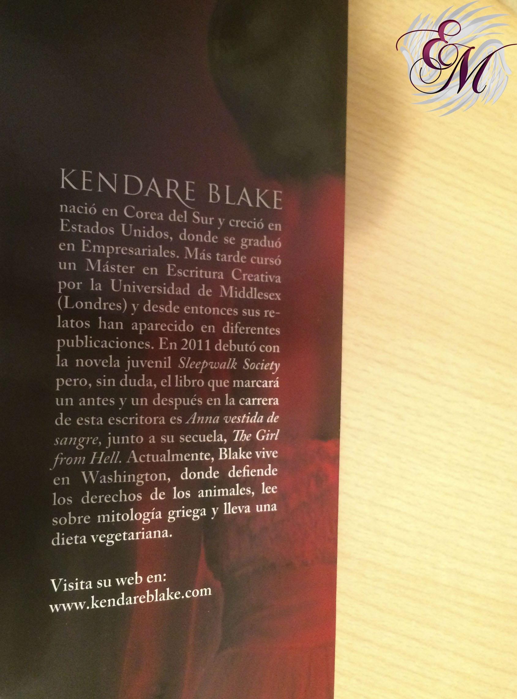 Anna vestida de sangre, de Kendare Blake - Reseña