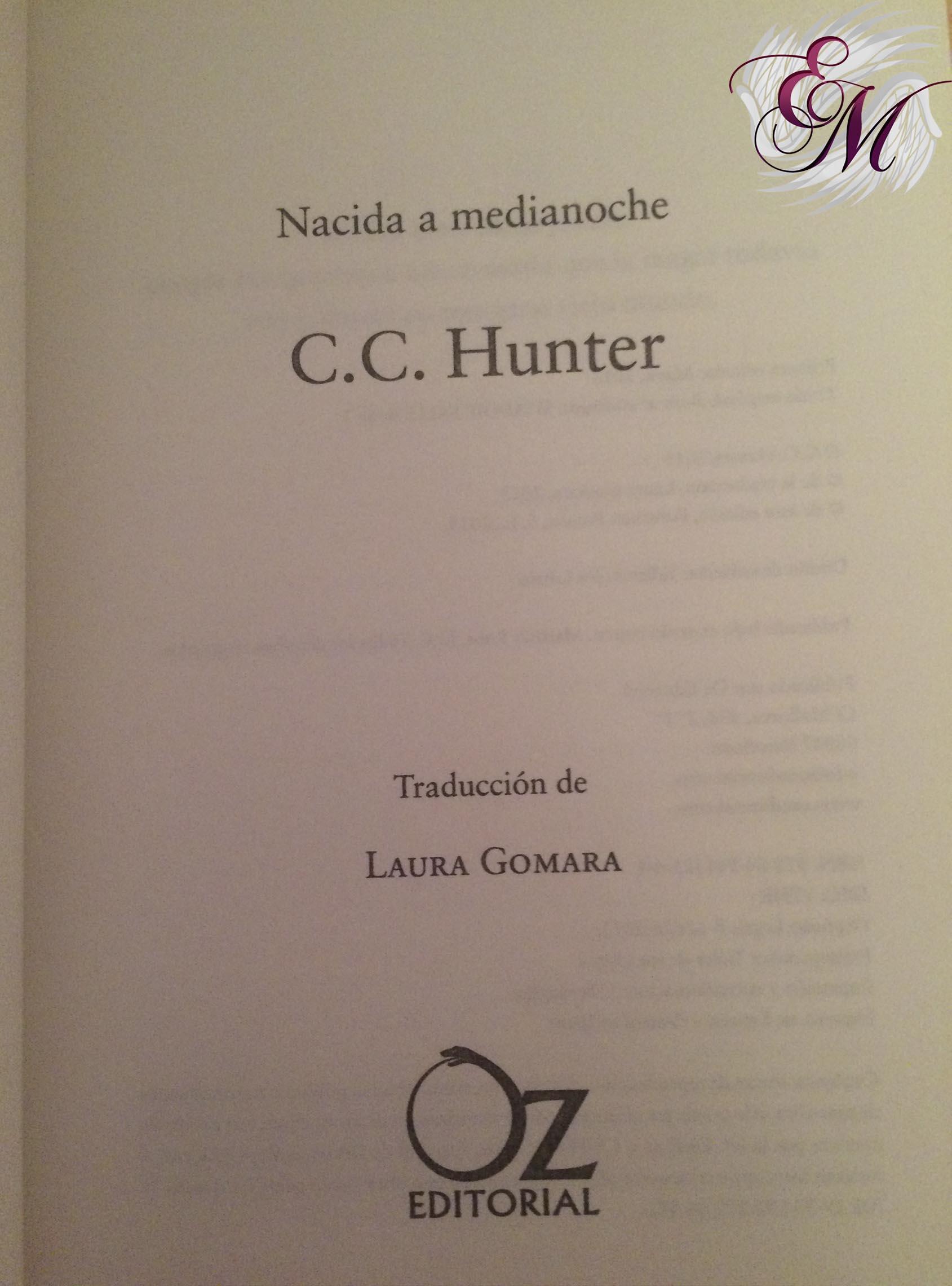 Nacida a medianoche, de C.C. Hunter - Reseña