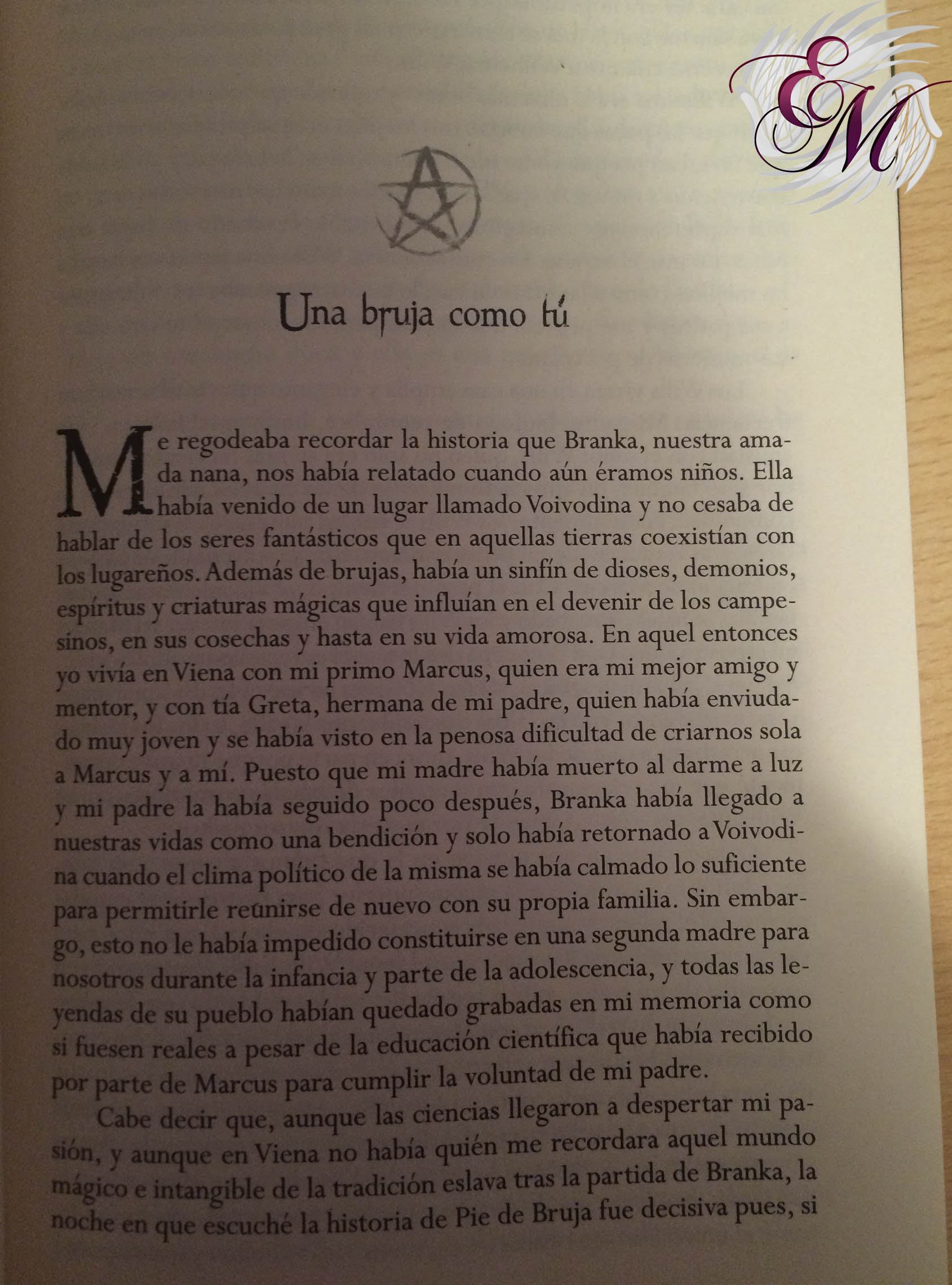Pie de bruja, de Carolina Andújar - Reseña