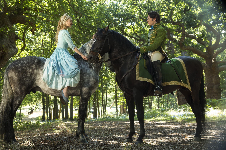 cenicienta y principe caballos
