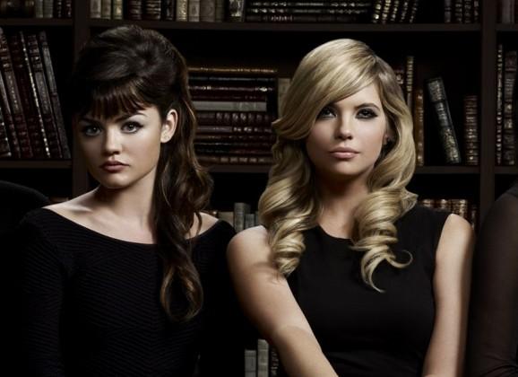 Pretty Little Liars: ¡Se extrae una escena de Aria vestida de A!