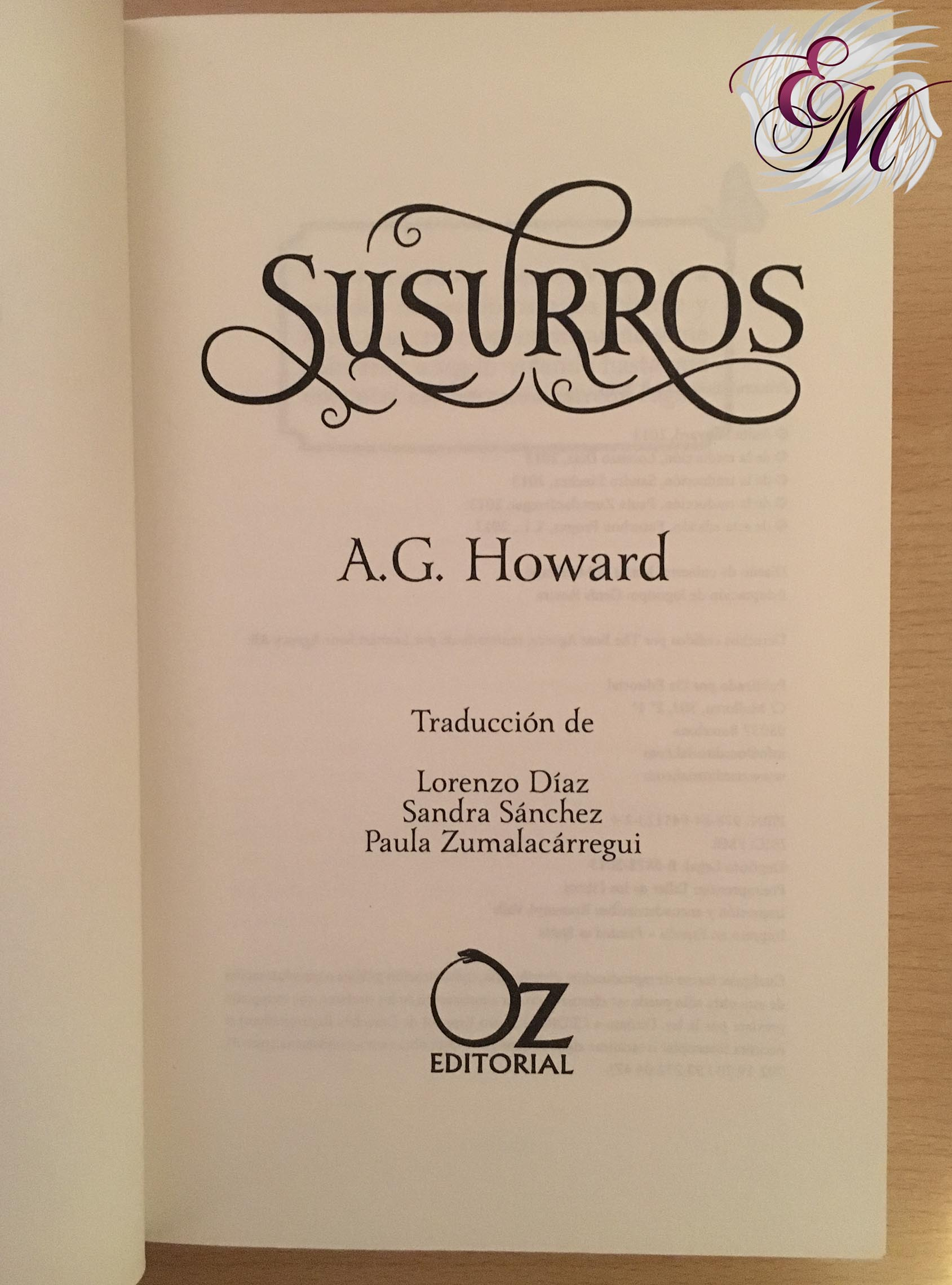Engaños de  A.G. Howard - Reseña