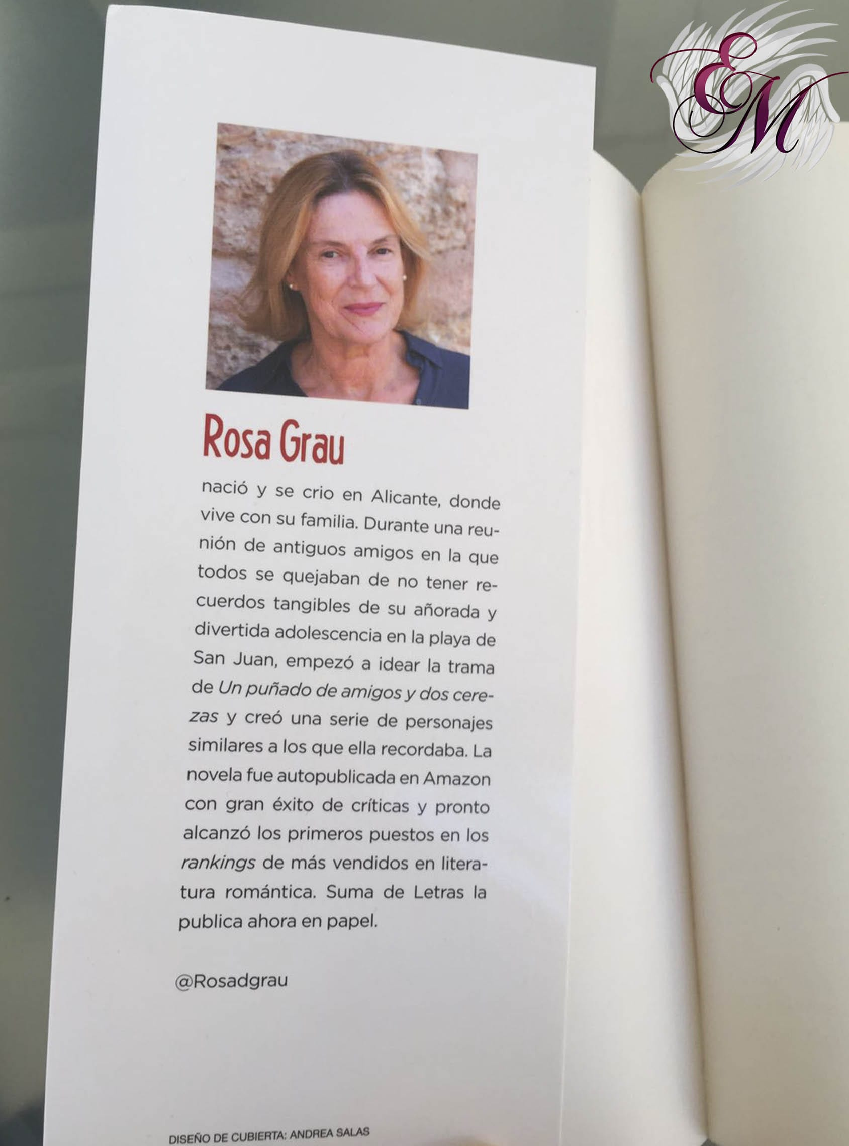 Un puñado de amigos y dos cerezas, de Rosa Grau - Reseña
