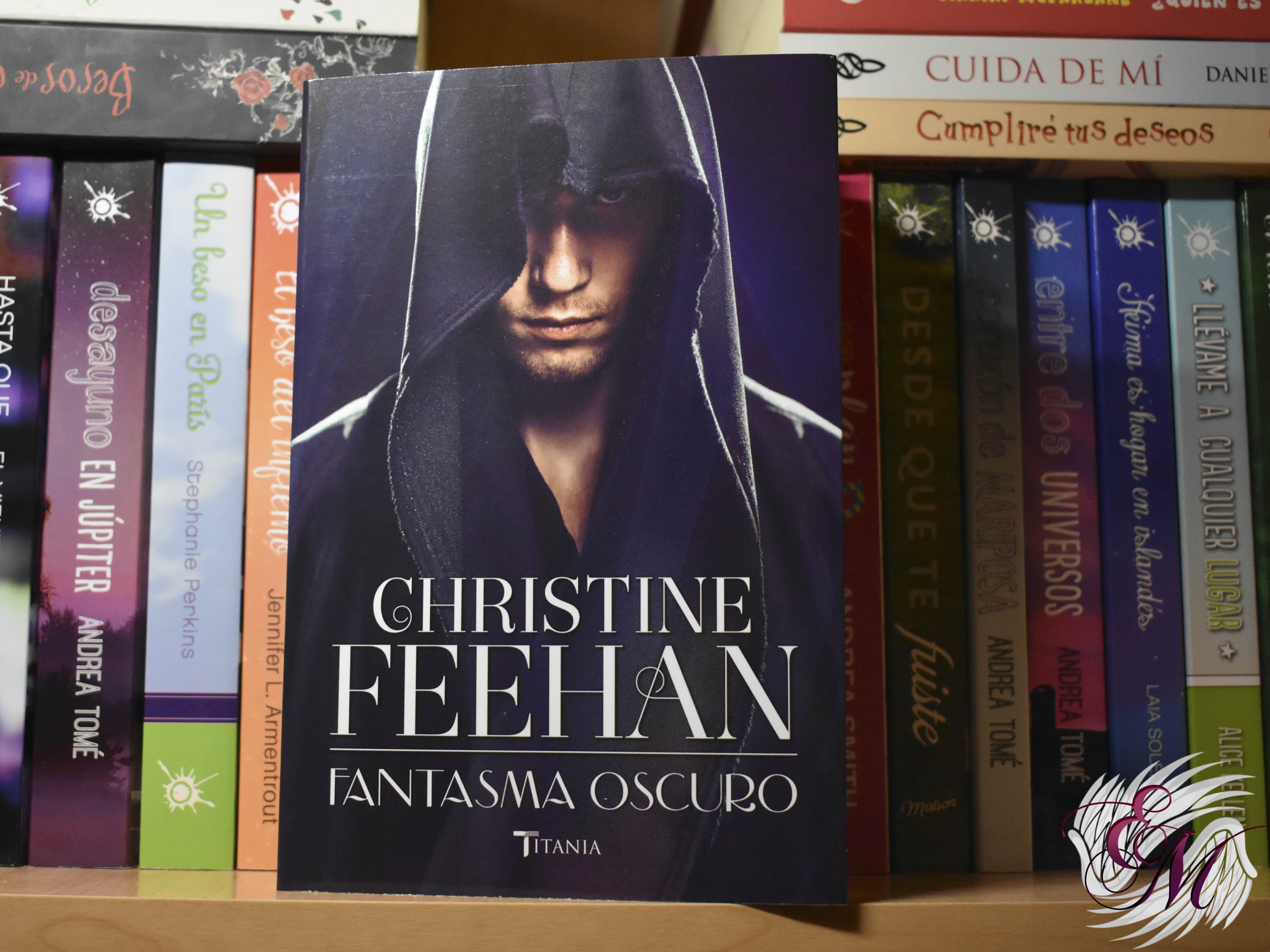 Fantasma oscuro, de Christine Feehan - Reseña