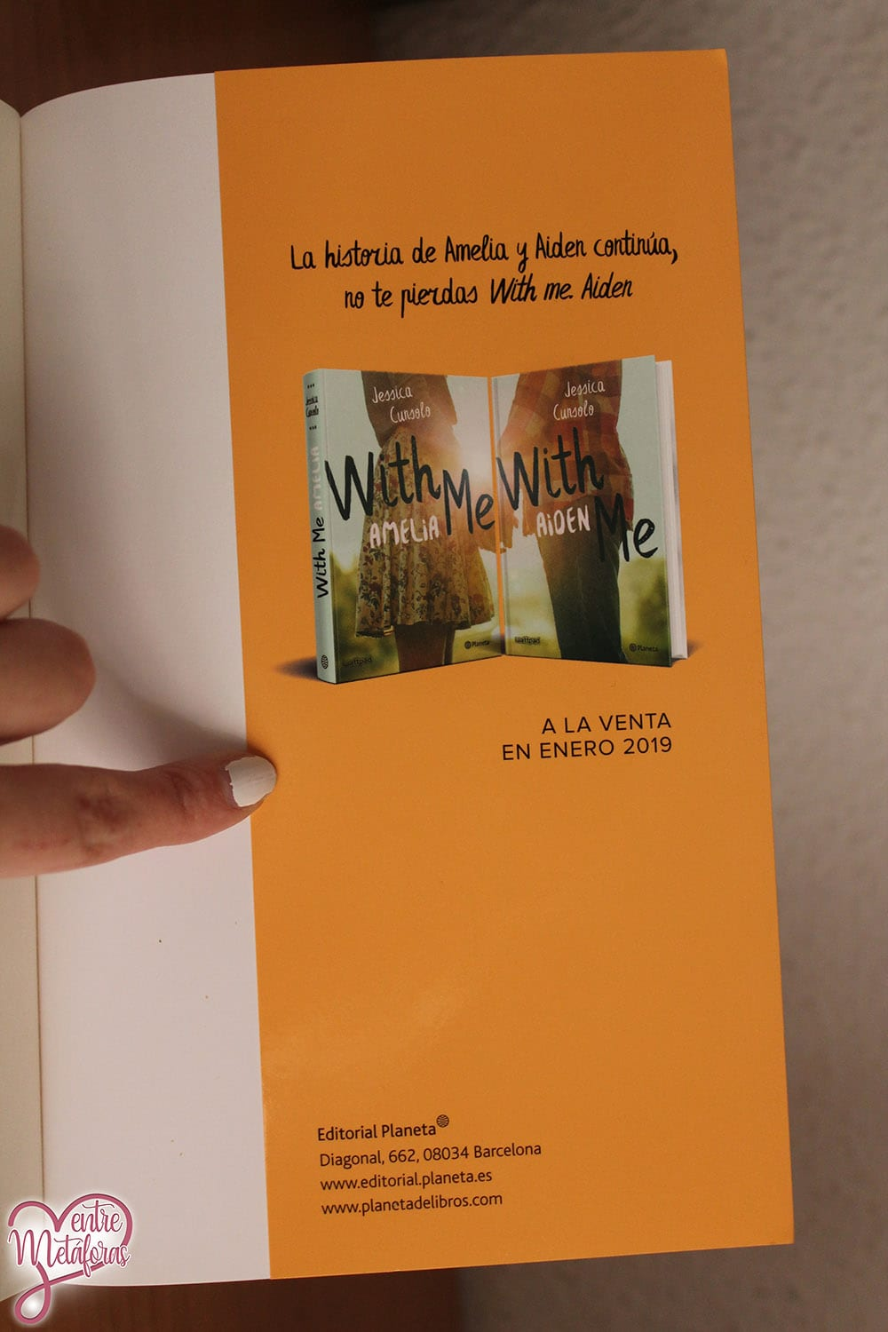 With me. Amelia , de Jessica Cunsolo - Reseña