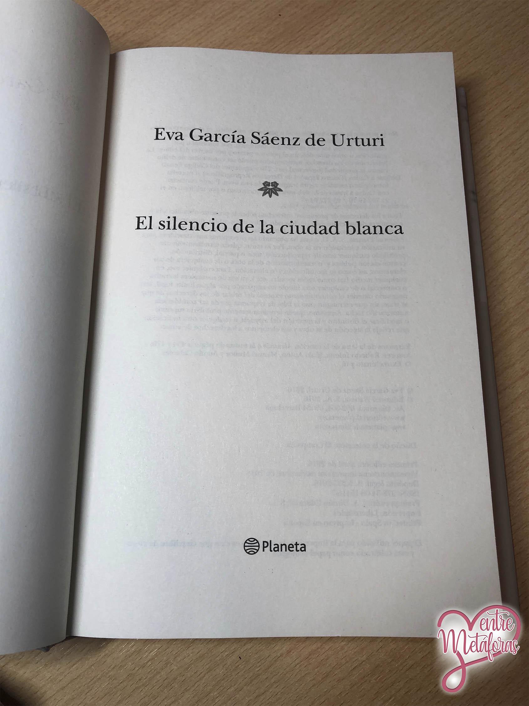 El silencio de la ciudad blanca, de Eva Gª Sáenz de Urturi - Reseña