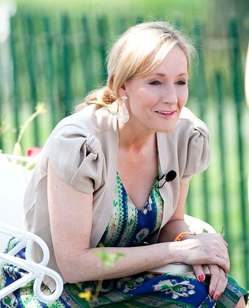 Ficha y libros de J.K Rowling