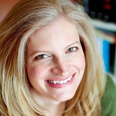 Ficha y libros de Amy Engel