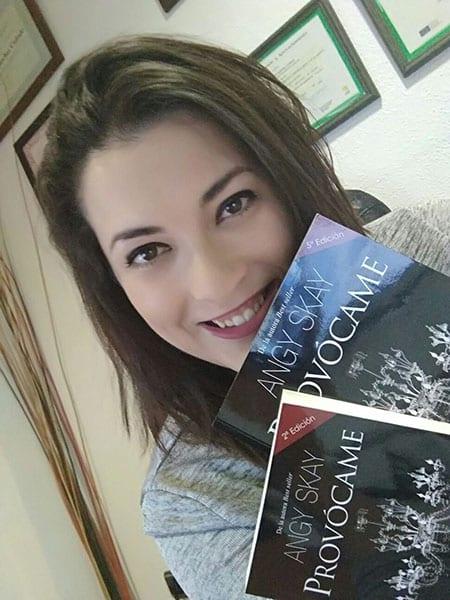 Ficha y libros de Angy Sky
