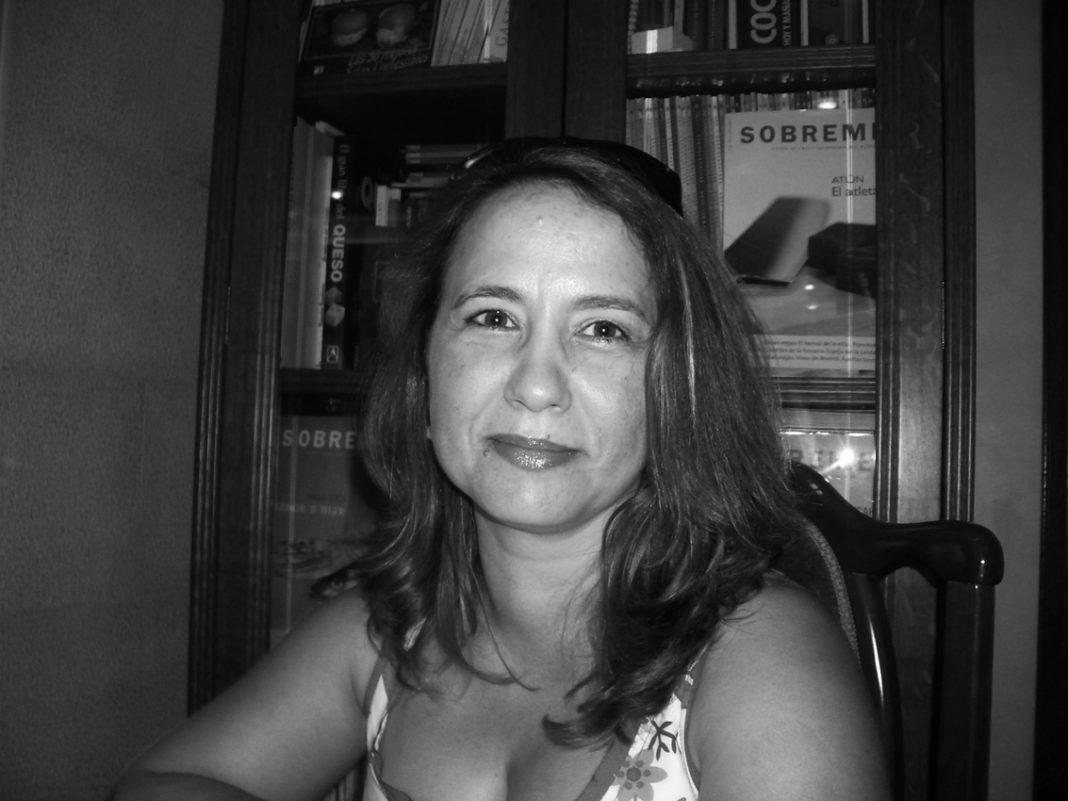 Arlette Geneve foto ficha